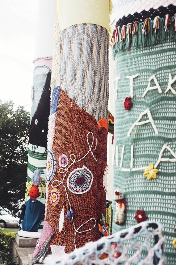 crochet pillars