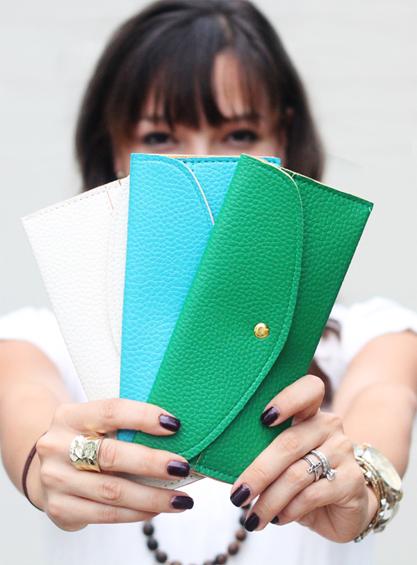 color clutches
