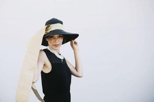 Holly - Big Hat 2