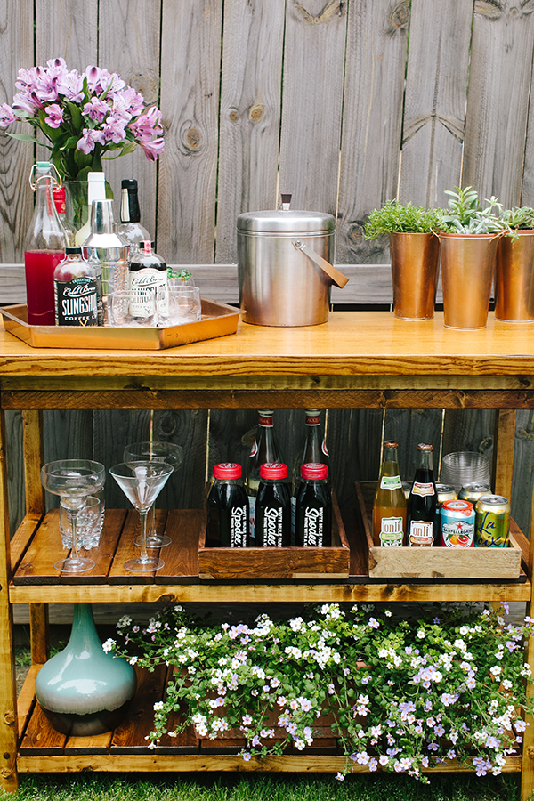 DIY IndoorOutdoor Bart Cart Table