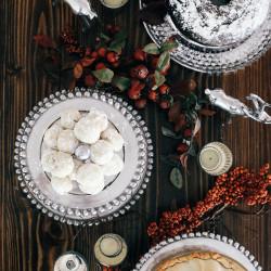 Thanksgiving Dessert Tablescape