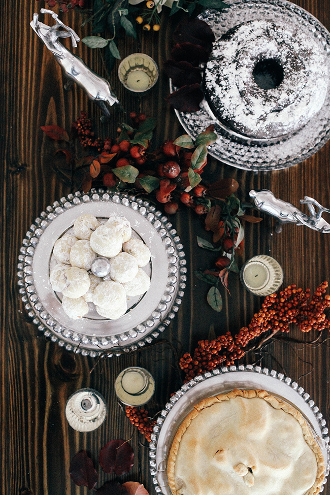 Thanksgiving Dessert Tablescape