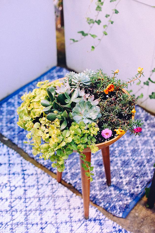 DIY Succulent Tripod Planter via IHOD
