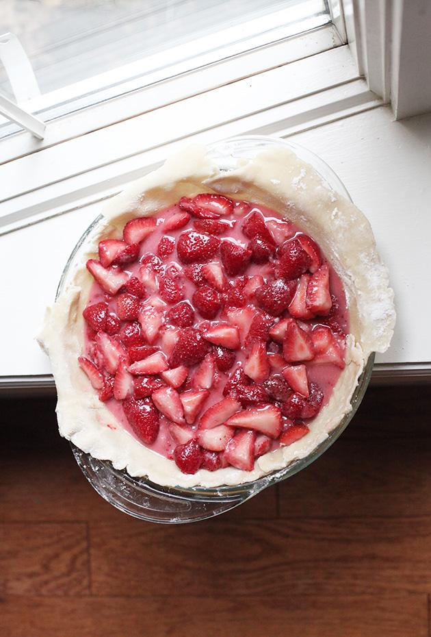 3 ingredient strawberry pie