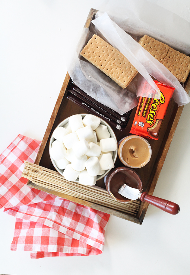 Smore assembly station