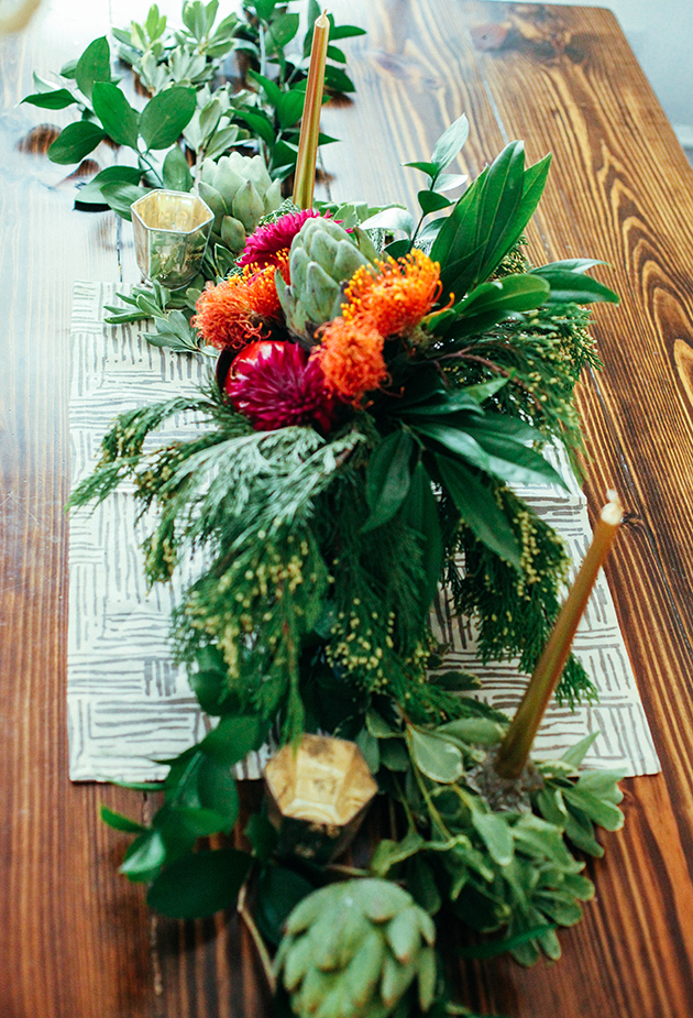 thanksgiving centerpiece and table runner