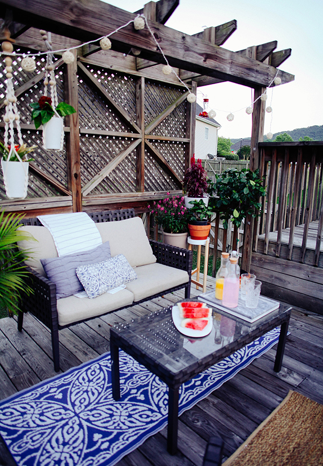 A budget friendly patio makeover | In Honor Of Design on Patio Makeovers On A Budget id=40295