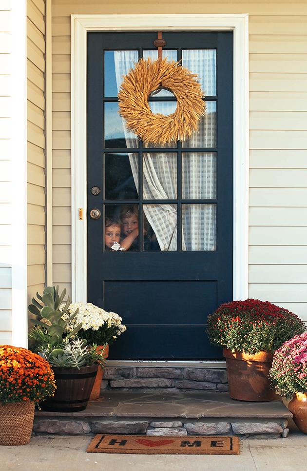an-autumn-front-porch