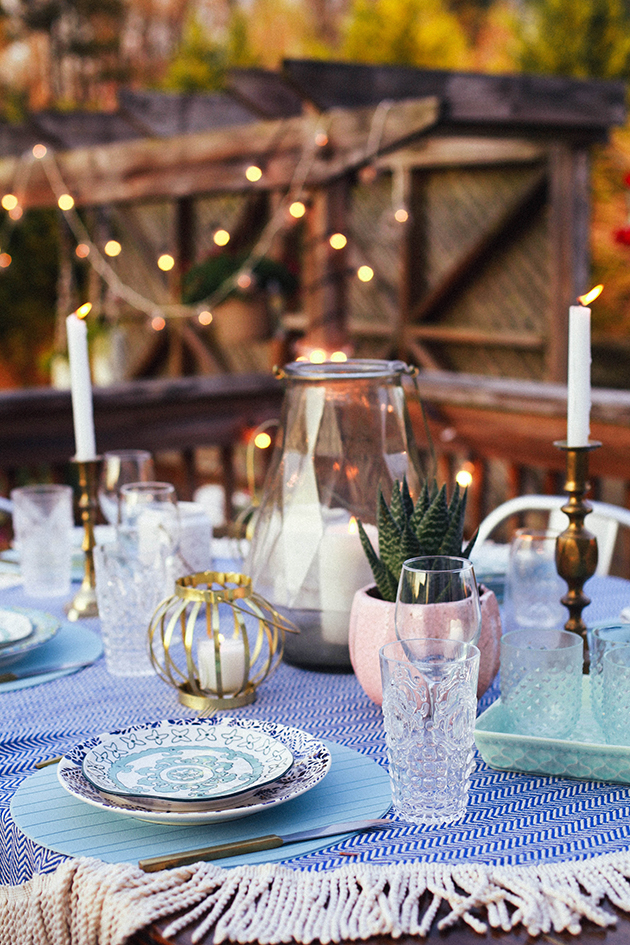 Elegant Since we will be having a big crowd for Easter Sunday we will probably be using both our indoor and outdoor dining space What I love about outdoor dining