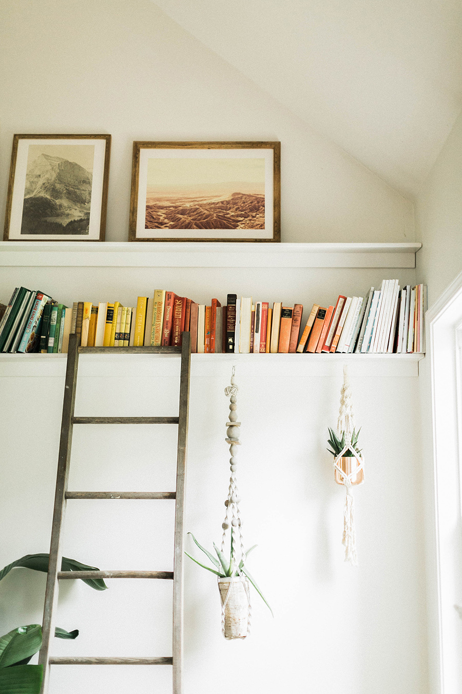 weve been meaning to share with you all how we created these large diy picture ledge and diy bookshelves so gabe is here today to explain his process for - Bookshelves Diy