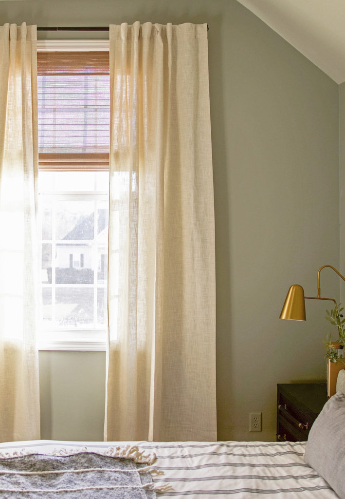 linen curtains - bedroom design