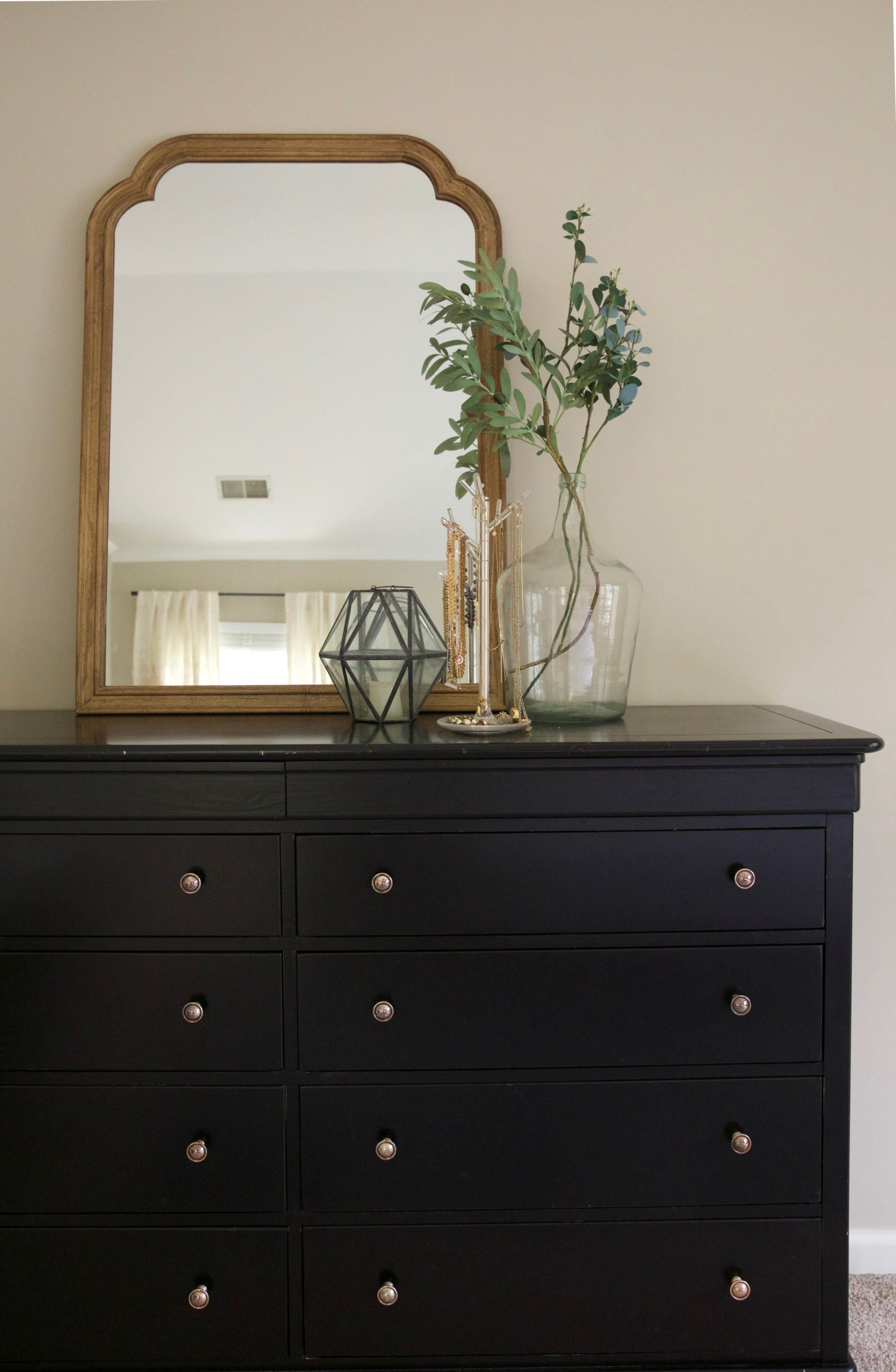 master bedroom design - dresser - mirror